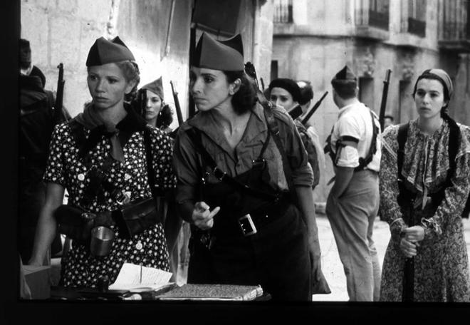 Fotograma de la película 'Libertarias'.