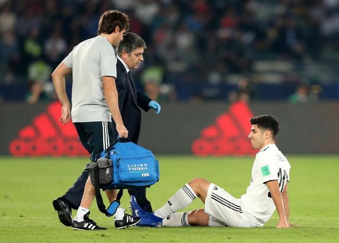 Asensio, en el momento de la lesión en el partido contra el Kashima.