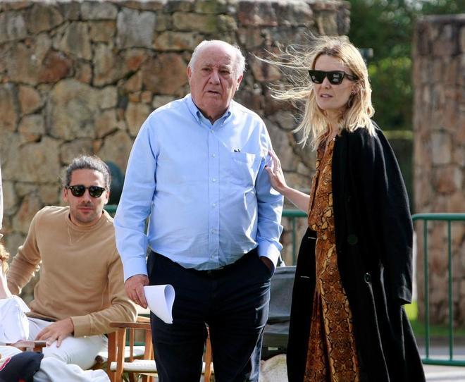 El fundador de Inditex Amancio Ortega, con su hija Marta