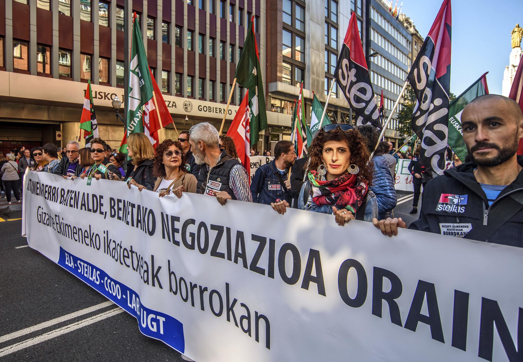 Los sindicatos de la concertada endurecen sus posturas y convocan otros diez días de paro en enero | País Vasco