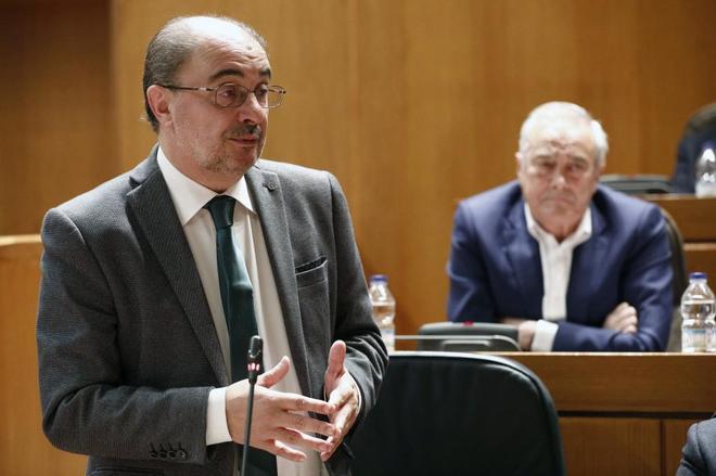 El presidente aragonés, Javier Lambán, durante el pleno en las...