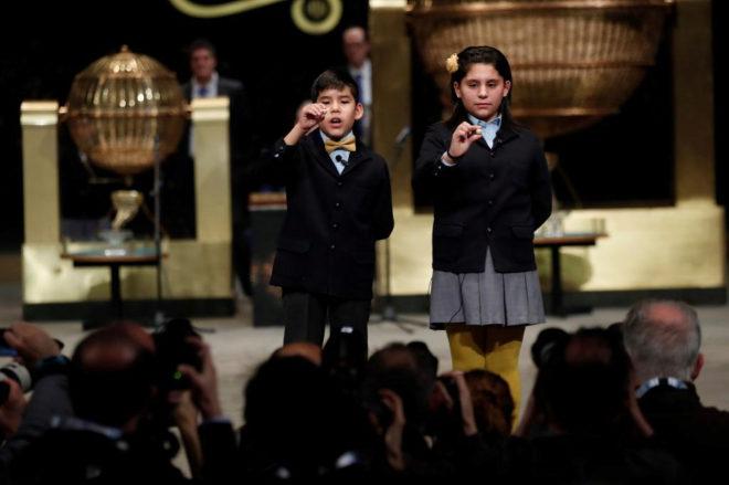 Nerea Pareja Martínez y Alonso Dávalos Durán cantan el quinto...