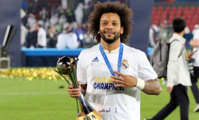 Marcelo, con el trofeo del Mundial de Clubes en Abu Dhabi.
