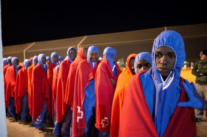 Llegada al puerto de Motril, en Granada, de 81 inmigrantes rescatados...