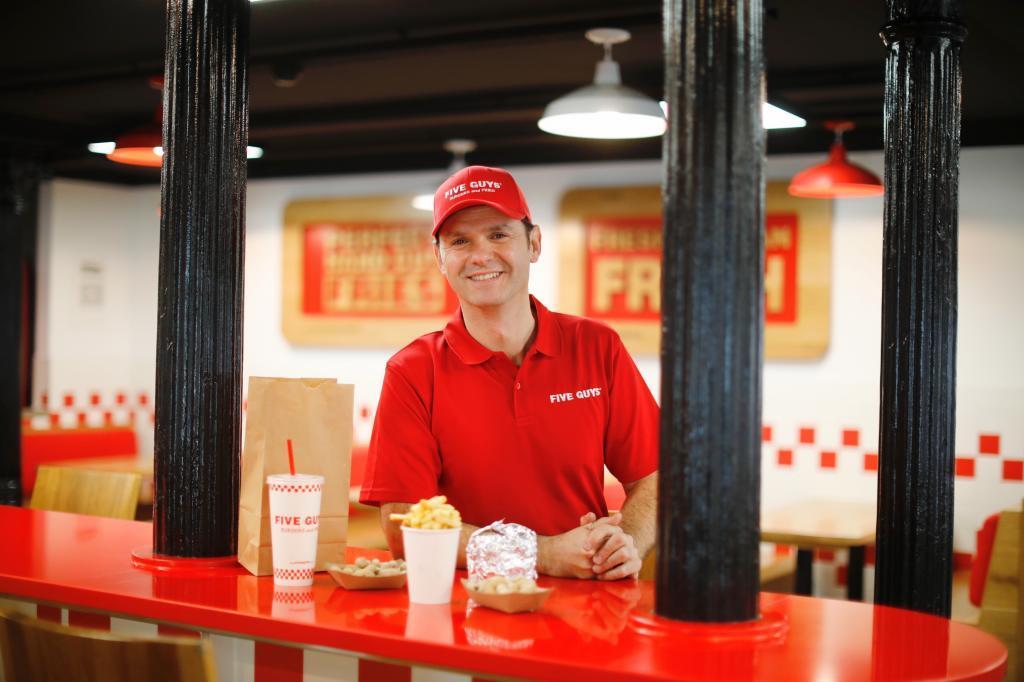 Daniel Agramayor, gerente de la cadena de restaurante Five Guys en España.