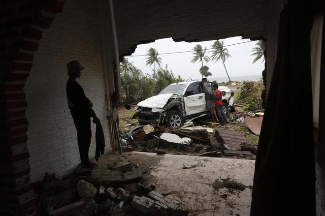 Destrucción tras el tsunami en la localidad de Tanjung Lesung.