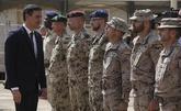 El presidente del Gobierno, Pedro Sánchez, con las tropas españolas...