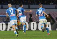 Los jugadores del Nápoles celebran el gol ante el Inter de Milán.