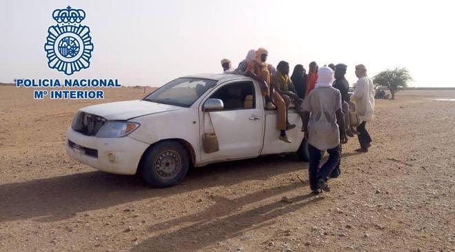 Imagen de una de las camionetas utilizadas por la mafia para transportar migrantes.