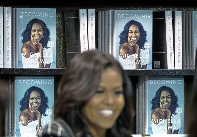 Michelle Obama durante una acto de promoción de su libro.