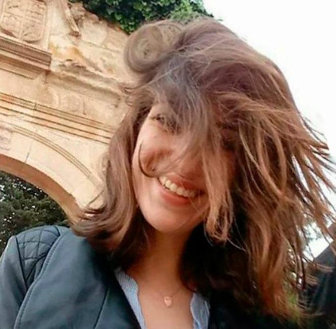 Imagen de Laura sonriendo subida a redes sociales por su novio días atrás.