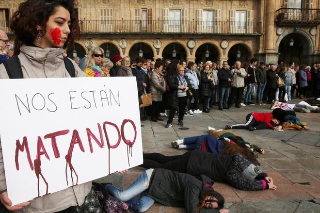 Concentración en la Plaza Mayor de Salamanca por el asesinato de Laura Luelmo, el pasado 19 de diciembre.