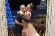 Dabiz Muñoz y Cristina Pedroche, en el balcón de la Puerta del Sol, en una imagen compartida en su Instagram.