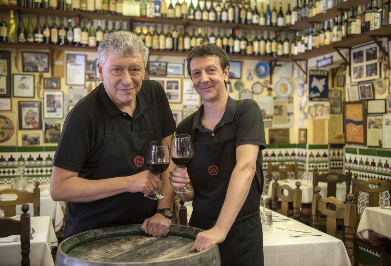 Tras la jubilación de Luis Roldán, su hermano Juan dirige en negocio...