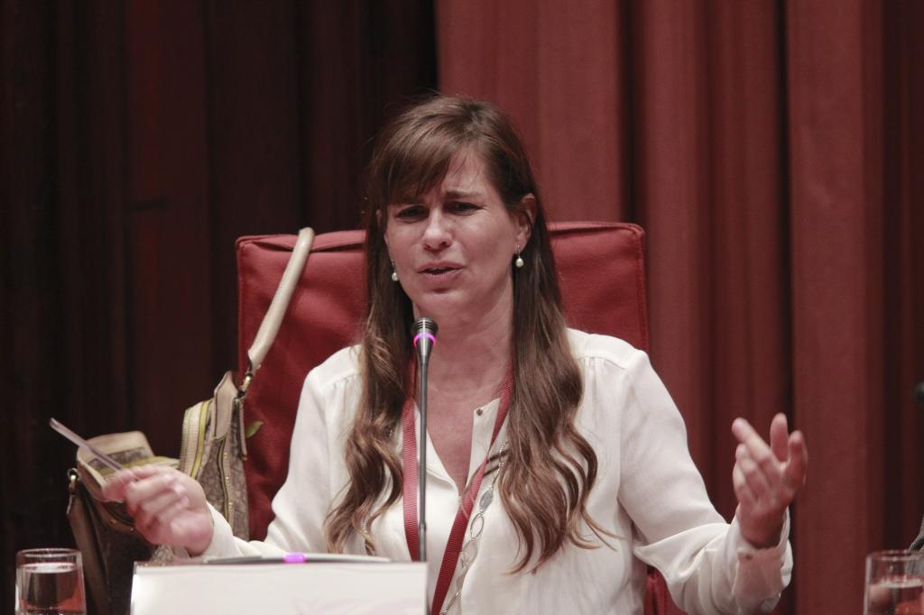 Victoria Álvarez durante una de sus comparecencias en el Parlament
