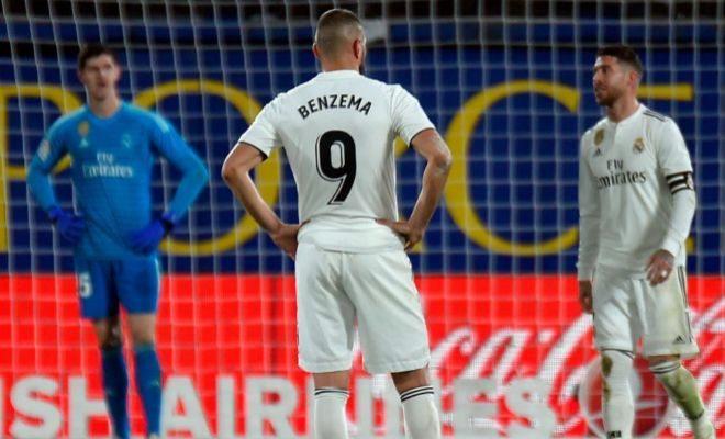 Courtois, Benzema y Ramos, alicaídos tras el segundo gol de Cazorla.