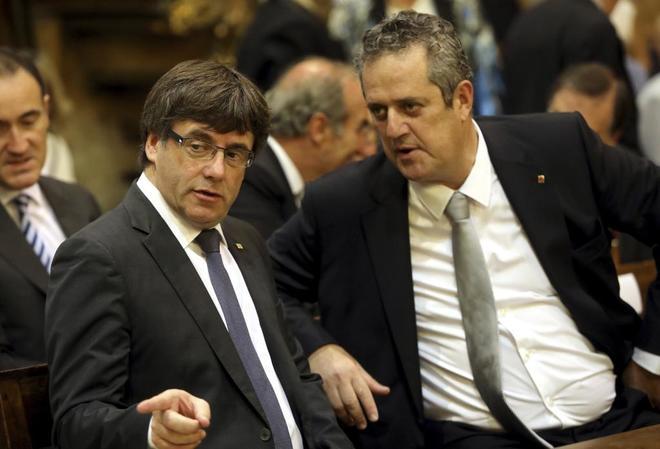 Joaquim Forn, con Carles Puigdemont, en una foto de archivo