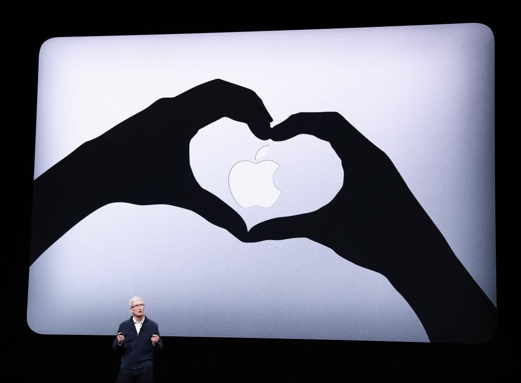 18031bbd71b El consejero delegado de Apple, Tim Cook, durante un acto de la marca en  Nueva York. (EEUU). EFE