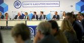 El presidente del PP, Pablo Casado, al frente del Comité Ejecutivo...