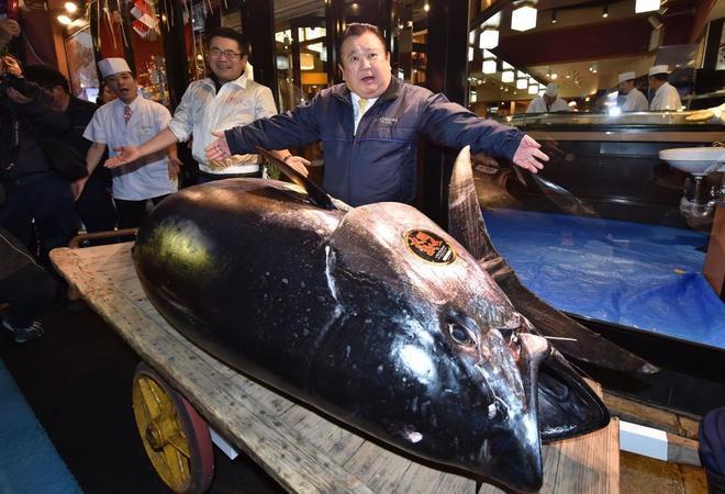 Puja por el emperador de los atunes
