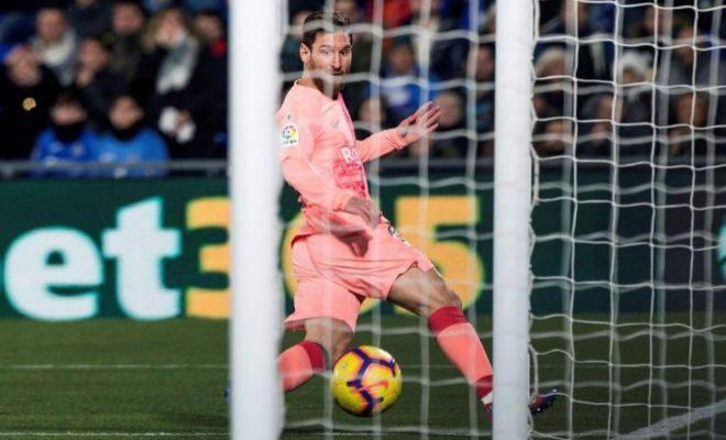 Messi anota el 0-1 a puerta vacía en el Coliseum de Getafe.