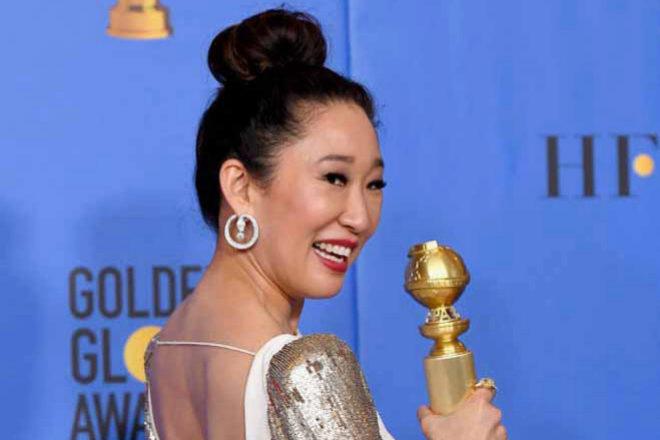 Detalle de la espalda de Sandra Oh en los Globos de Oro 2019