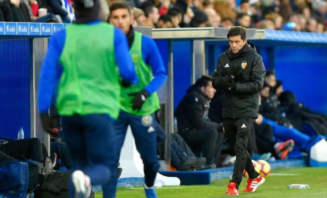 El entrenador del Valencia, Marcelino garcía Toral, con gesto de preocupación durante el partido ante el Alavés del pasado sábado.