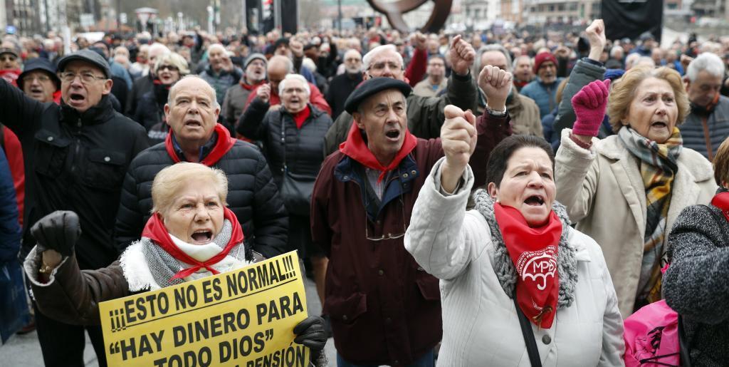 Jubilados en la concentración celebrada en Bilbao.