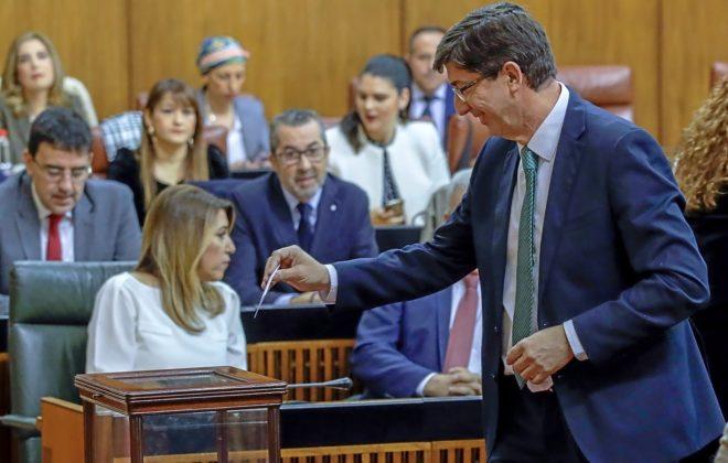 El líder de Ciudadanos en Andalucía, Juan Marín, vota en el Parlamento para elegir presidente
