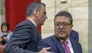 El secretario general de Vox, Javier Ortega Smith, y su portavoz...