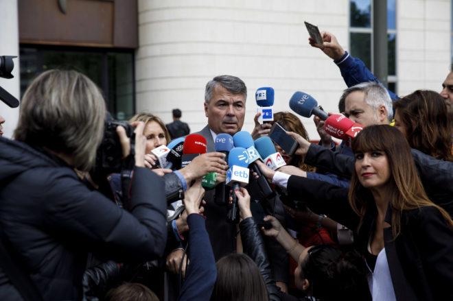 El abogado del entrenador acusado de abusos a menores en Málaga, Agustín Martínez, defensa también de cuatro miembros de La Manada.