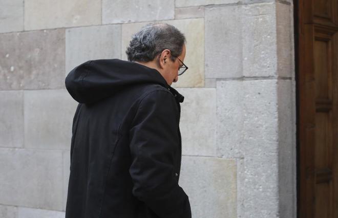 El president Quim Torra en la reunión del Govern en el palau de Generalitat