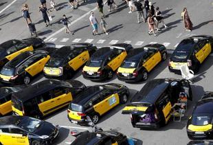 La huelga del taxi a finales de julio pasado colapsó por completo el...