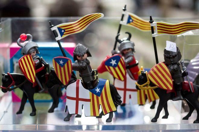 LA GENERALITAT CATALANA QUIERE IMPONER EL CATALAN A LOS ' CLICKS ' DE PLAYMOBIL