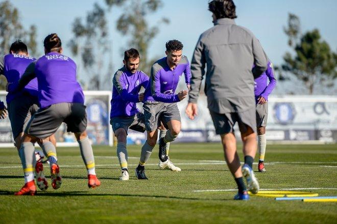 Pepe, durante el entrenamiento del Oporto este martes.