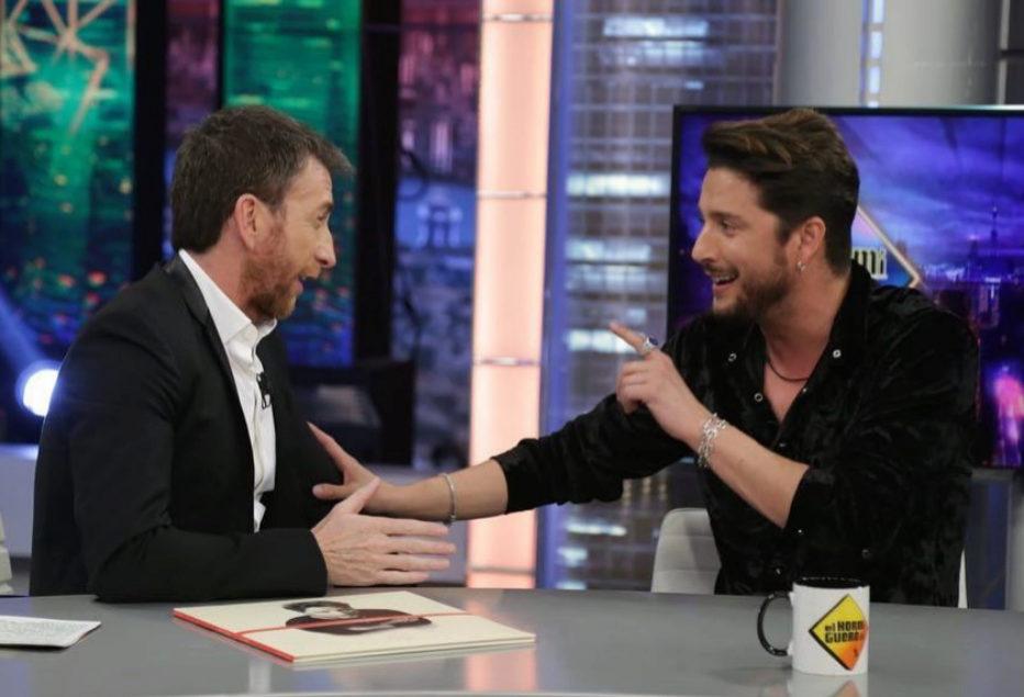 Pablo Motos entrevistando a Manuel Carrasco en El Hormiguero de Antena...