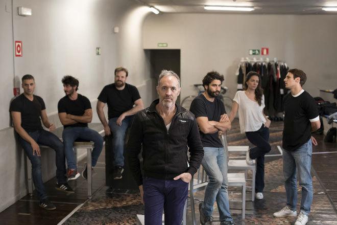 Miguel del Arco y sus actores.