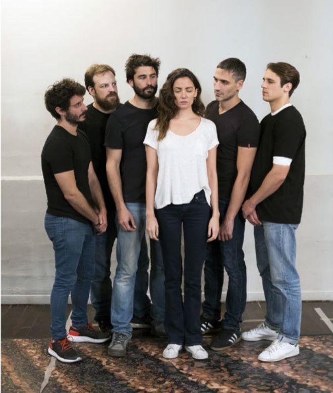 De izquierda a derecha, Ignacio Mateos, Fran Cantos, Álex García, María Hrvás, Raúl Prieto y Martin Rivas.