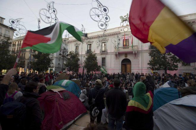 Acampada y concentración antifascista que tuvo lugar en Granada tras las elecciones andaluzas.