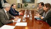 El ministro de Fomento, José Luis Ábalos, reunido con el presidente...