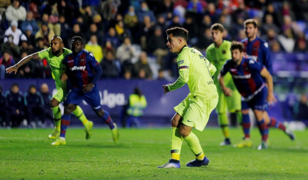 Un penalti como suspiro de alivio para el Barcelona