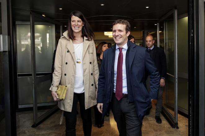 Ruth Beitia y Pablo Casado, ayer, en la presentación de su candidatura en Santander.