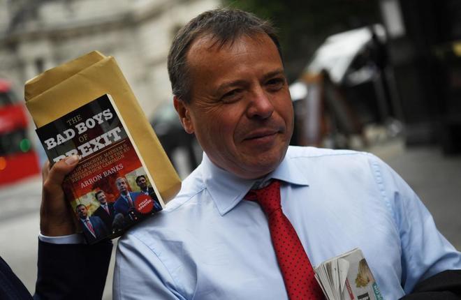 El empresario británico Arron Banks financió la campaña Leave.EU...