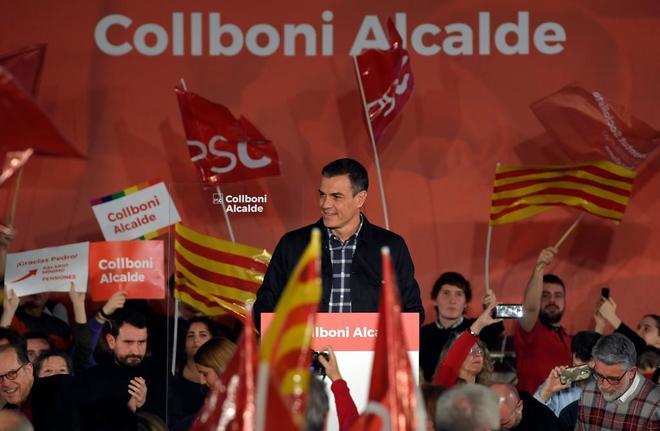 El presidente del Gobierno, Pedro Sánchez, durante el acto de presentación del candidato del PSC a la Alcaldía de Barcelona, Jaume Collboni.