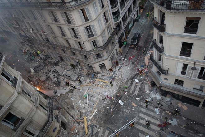 Se elevan a 4 los muertos en la explosión de París tras hallar a una desaparecida entre los escombros