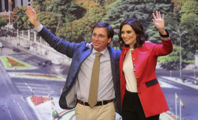 José Luis Martínez-Almeida e Isabel Díaz Ayuso, este domingo, en su presentación como candidatos del PP a la Alcaldía y la Comunidad de Madrid.