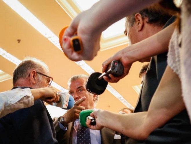 Luis Bárcenas, al acudir a declarar en el Congreso de los Diputados,...