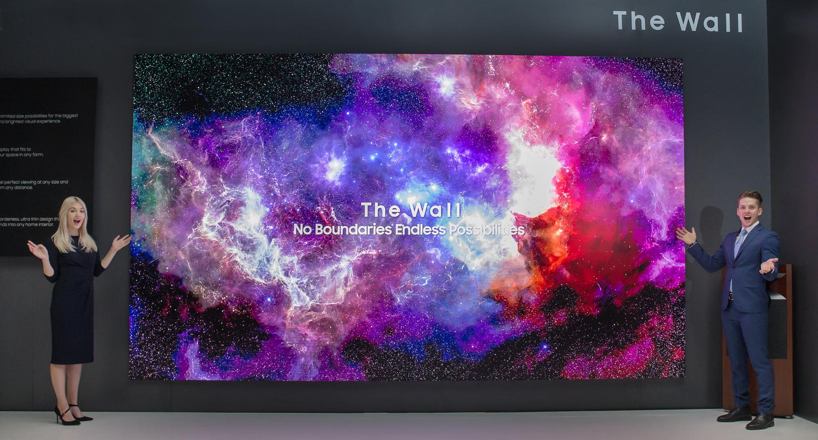 Samsung ha presentado un televisor llamado The Wall cuya pantalla puede crecer y montarse por partes