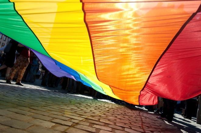 Bandera arcoiris del colectivo LGTB.