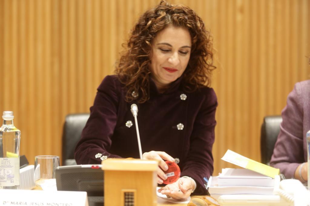 La ministra de Hacienda, Maria Jesus Montero presenta el proyecto de Presupuestos Generales del Estado en el Congreso de los Diputados.
